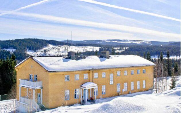 Sundmans Fjällgård är till salu. Under vinterevenemang i trakten är trycket på Fjällgården högt.