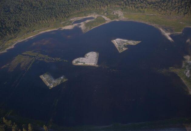 På väg hem från ett sjöbevakningsuppdrag upptäcktes plötsligt de kärleksfulla öarna.