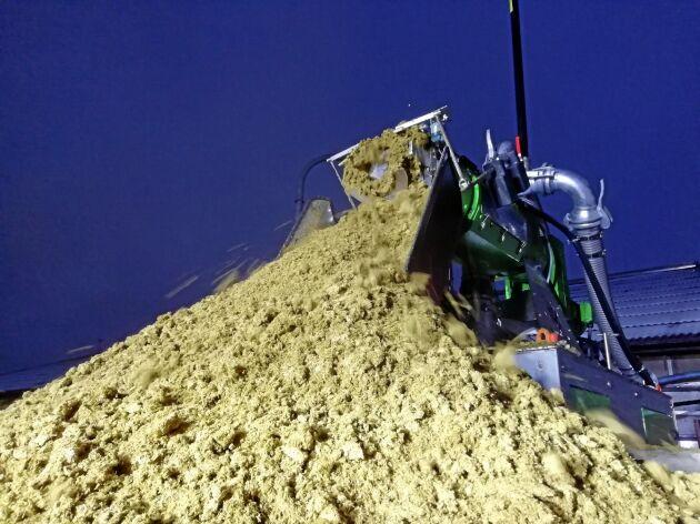 Fiberstör framställs genom att osmält fiber separeras ut ur stallgödseln.