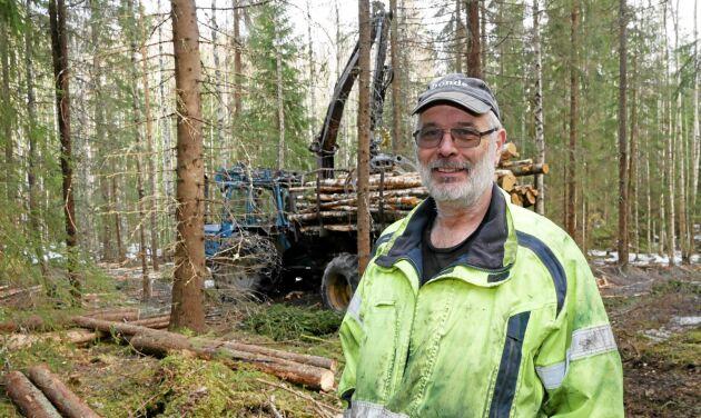 Erik Brate har 600 hektar produktiv skogsmark.