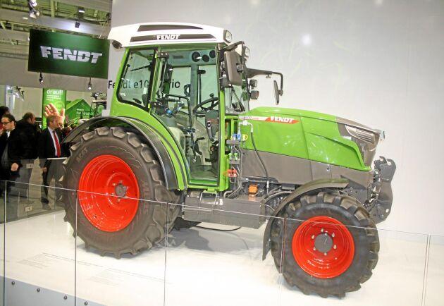 Bland de västerländska tillverkarna finns ännu inga kända planer på att sätta större el-traktorer på marknaden. I det mindre segmentet är dock Fendt E-Vario sannolikt det koncept som står närmast en lansering.