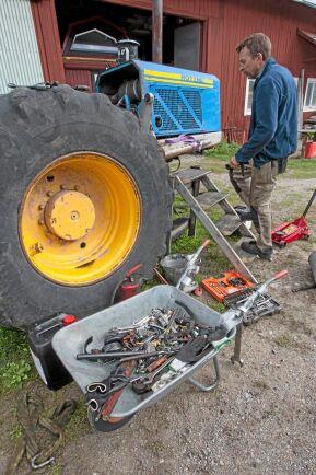Nu är han i gång igen, Johan Nordh. Nu bygger han två egenkonstruerade skogsmaskiner för skogsbruket som – om han får rätt – kan höja produktiviteten med 30 procent vid slutavverkning.