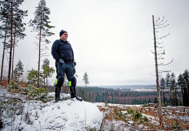 """Henric Skane råder andra skogsägare som hamnar i liknande situationer att ta hjälp. """"Jag hade aldrig klarat det här utan LRF"""", säger han."""