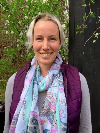 Helena Carlsson, trädgårdsmästare och trädgårdsdesigner med företaget Trädgårdslycka i Falun, bjuder på sin finaste torprabatt.
