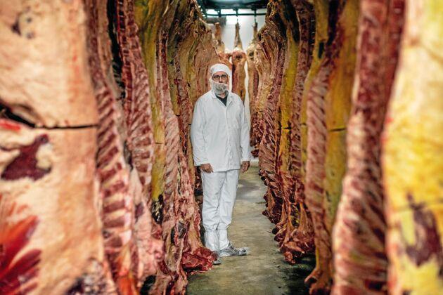 Gotlands Slagteri är en av initiativtagarna och tidigare platschefen Fredrik Sundblad leder projektet. Målet är fossilfritt kött i hela kedjan från gård till konsument.