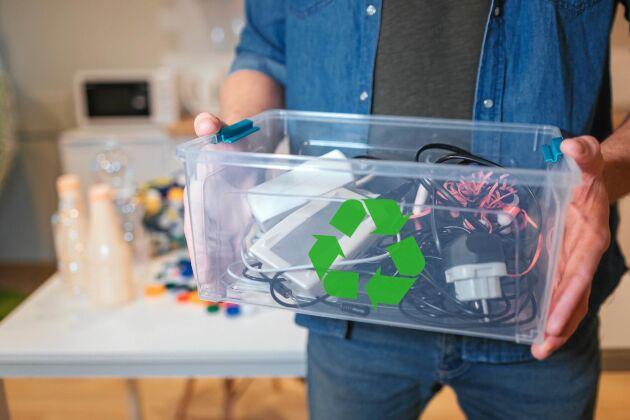 Elavfall innehåller material som kan återvinnas.