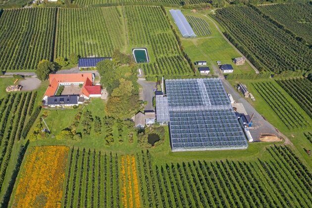Gården Orelund 1 i Rörum, Simrishamns kommun, är till salu för 35 miljoner kronor.