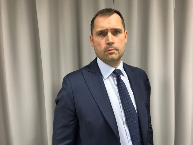 Tero Hemmilä är sedan i måndags ny VD för HK Scan. På onsdagsmorgonen tillkännagav han att minst 200 av koncernens 1 200 tjänstemän får räkna med att bli varslade om uppsägning.