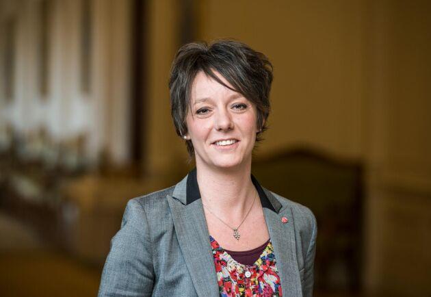 Utskottets ordförande Matilda Ernkrans (S).