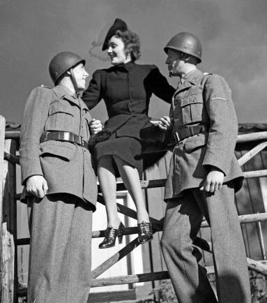 Ulla Billquist, 1907-1946, svensk sångerska, och under andra världskriget var hon Sveriges motsvarighet till Vera Lynn. Ulla Billquist är kanske mest ihågkommen för sin inspelning av melodin Min soldat som blev hennes största skivframgång.