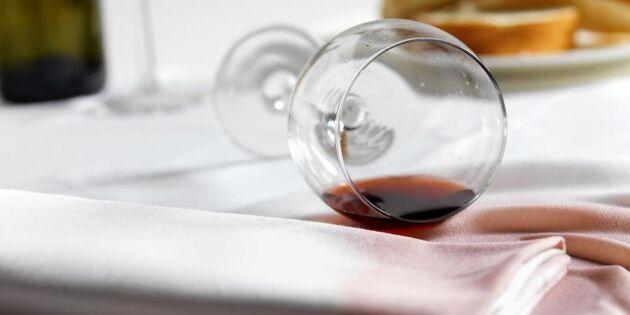 Trolla bort rödvinsfläcken med vitt vin