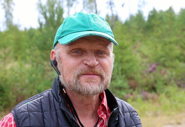 """""""Snart finns ingen som vill utföra skogsvård"""", säger Dennis Rudén på Sundins Skogsplantor."""