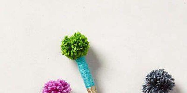 Pynta pennan med pompoms