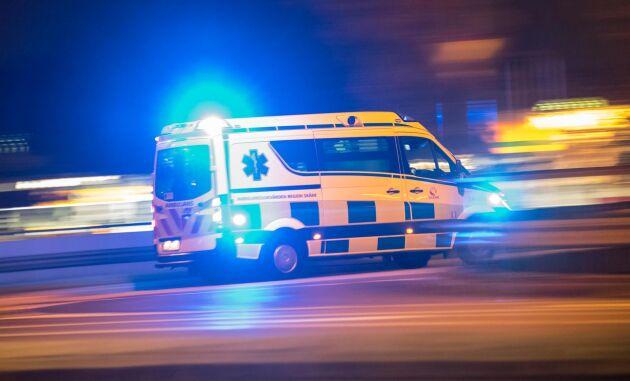 En man dog i en arbetsplatsolycka på ett sågverk.