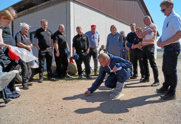 Djurskyddet på Länsstyrelsen i Skåne och besättningsveterinärerna sammanfattar sina intryck efter rundvandringen i stallarna.
