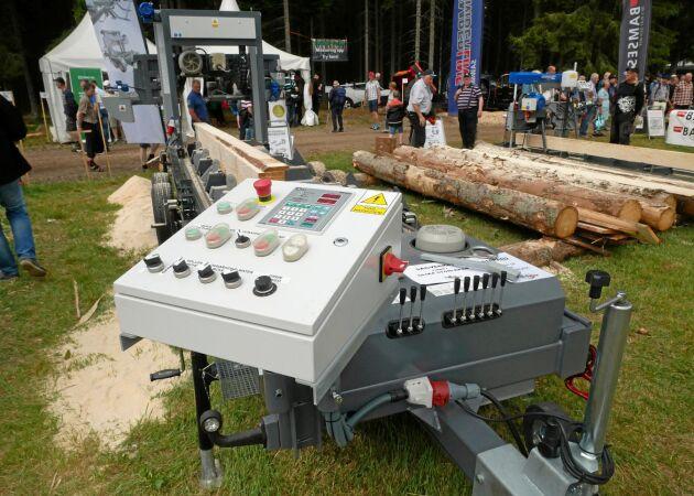 Operatörsbord på Trak-Met sågverk.