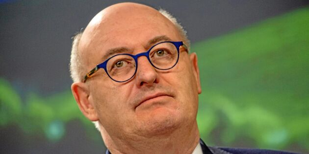 EU-kommissionär Hogan anklagar ministrar för att urvattna miljöförslag