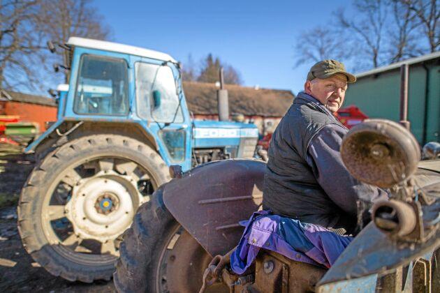 """Medveten satsning. """"Jag har aldrig köpt någon fabriksny traktor, utan jag har köpt bra begagnade"""", säger Göran Åkerblom på gården Amalietorp."""