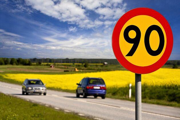 Under hösten kommer förslag på ännu fler vägar som ska få sänkt hastighet.
