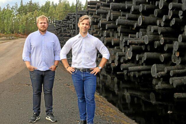 Claes Andersson, vd, och Magnus Ragnarsson, personalchef är den fjärde generationen som leder det 90-åriga sågverket JGA i småländska Linneryd.