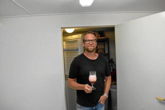 Ölen som bryggs byts ibland bort till andra hembryggare.
