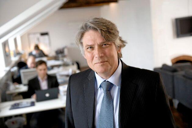 """Paul Ronge är medieexpert och krishanterare. Han är även författare till boken """"När Janne Josefsson ringer: så klarar du pressen """"."""
