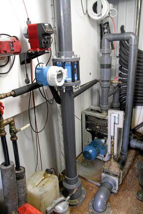 Biolectric är en lågprisanläggning med kvalitetsutrustning. Inflödet till rötkammaren regleras med en massflödesmätare som stänger av när tillräcklig volym pumpats in.