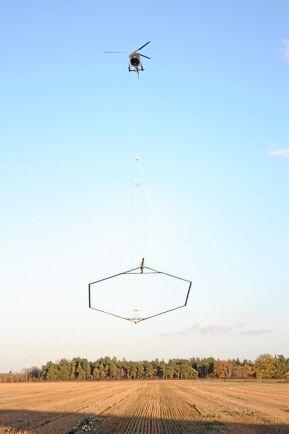 SGU har gjort ett antal flygningar för att leta efter nya grundvattentäkter i områden som på senare år drabbats av torka. Här letar man efter nya grundvattenreserver på Gotland.