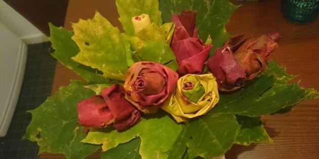 Höstens billigaste bukett? Så rullar du rosor av höstlöv