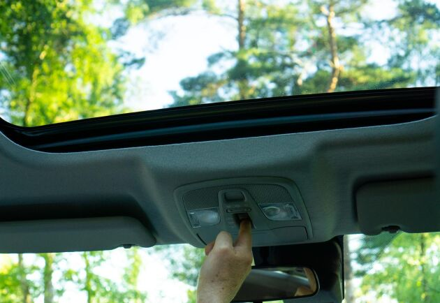 Utrustningspaketet Inclusive kostar det 20000 kronor extra och ger bland annat panoramatak.