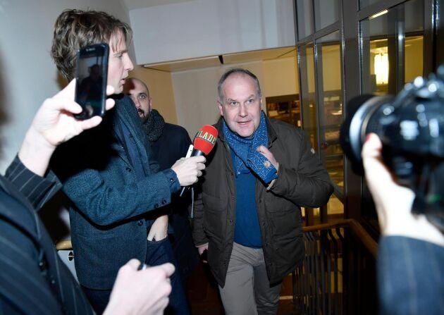 Vänsterpartiets partiledare Jonas Sjöstedt anländer till riksdagen för ett möte med partiets riksdagsgrupp.