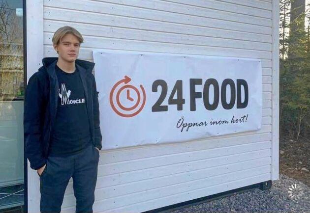 15-årige Jack Berggren öppnar en obemannad matbutik på landsbygden utanför Örebro.