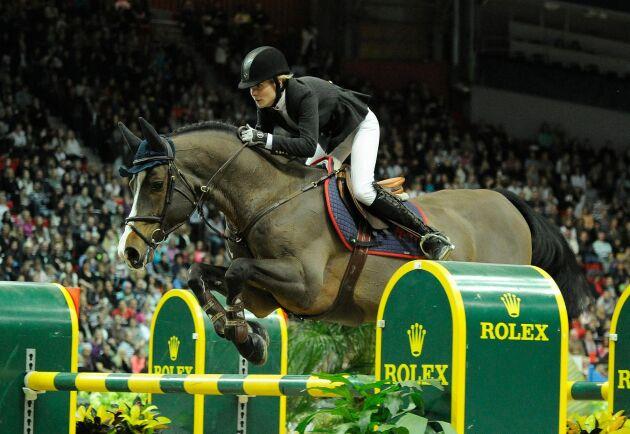 Sara Johansson var Malin Baryards hästskötare mellan 2006 och 2013. Här tävlar Malin Baryard med hästen Tornesch under Göteborg Horse Show 2011.