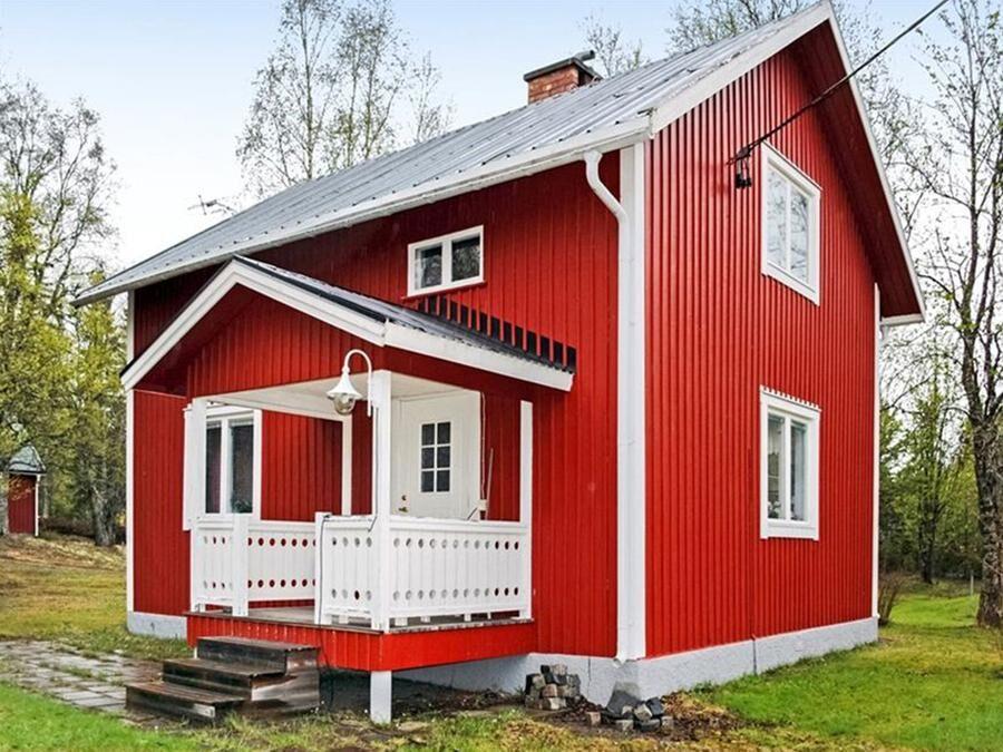 Torpet ligger nära den norska gränsen och i anslutning till Lockrinsån.