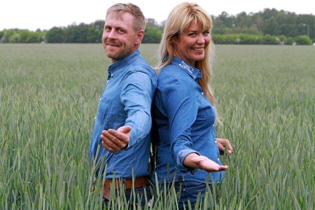 Andreas Mårtensson och Anna Larsen är ensamma på fältet i år.