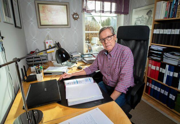 Skogsägaren Paul Jönsson har tappat förtroendet för Landshypotek sedan han upptäckt att banken tar ut ränta för dagar som inte finns.