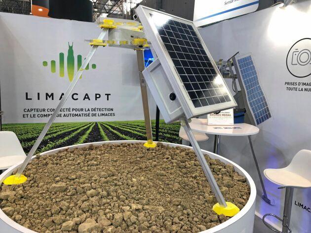 Tack vare solcellen på stativet är snigelräknaren självförsörjande på energi.