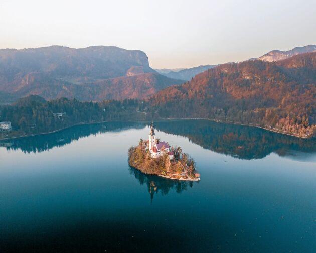 Sjön Bled är ett fantastiskt resmål i Slovenien.