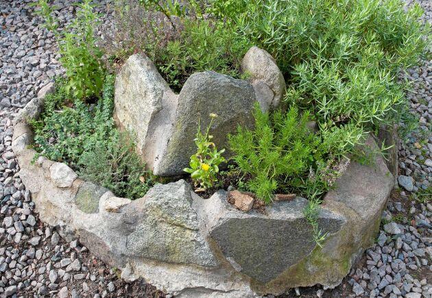 Murad örtspiral av stora stenar.