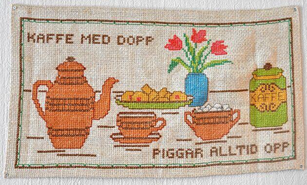 Här ett riktigt gammalt kaffeminne i korsstygn.