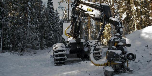 Skogsmaskiner i Småland tömda på utrustning