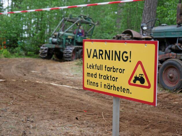 Många lekfulla farbröder fanns i skogsveteranernas monter.
