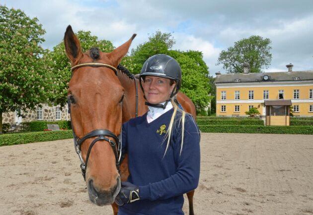 """Anna Olsson tänker satsa på hästvärldens motsvarighet till lantbrukets avbytartjänst. """"Jag finns i ett hästätt område där hästägare är beredda att betala för tjänsterna"""", säger Anna Olsson."""