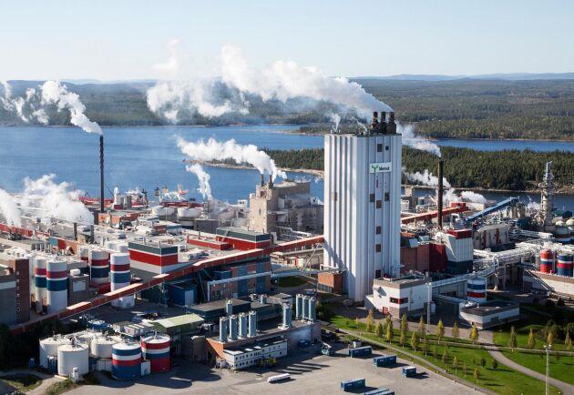 De bägge delägarna Norra Skog och Metsä Board planerar investeringar i massafabriken i Husum, samtidigt som Metsä Board undersöker en utbyggnad av kartongfabriken.