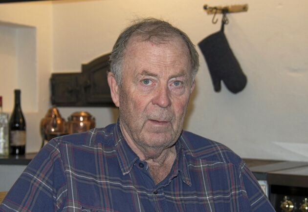 Ett ton per hektar på de drabbade åkrarna bedömer Jan Helin att han förlorade på grund av svaninvasionen våren 2019.