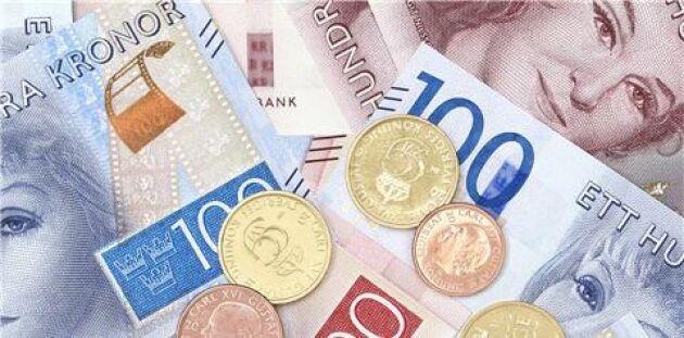 De nya sedlarna och mynten blir giltiga att använda måndag den 3 oktober.