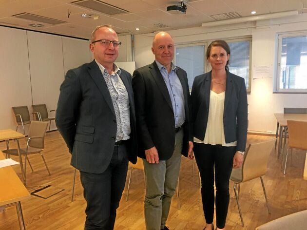 Magnus Kindbom, skogsdirektör, Sven Erik Hammar, ordförande, och Emma Berglund, ansvarig för samhällskontakter på LRF Skogsägarna ska nu arbeta med att föra ut principdeklarationen.