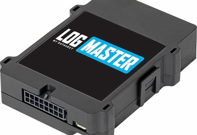 Den lilla datorlådan Logmaster kopplas in direkt på Canbus-systemet, och får därmed omedelbar åtkomst till bränsleförbrukningen. Lådan innehåller även en GPS som loggar alla körningar på fältet och vägen.