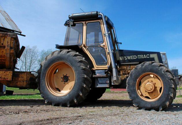 Den här traktorn blev en av 26 stycken modell II. Traktorn hade många finesser men var ganska dyr i inköp.