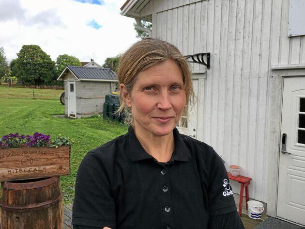 Anette Gustawson på Billinge gård utanför Norrtälje, där hon producerar mat och näring till andra människor.
